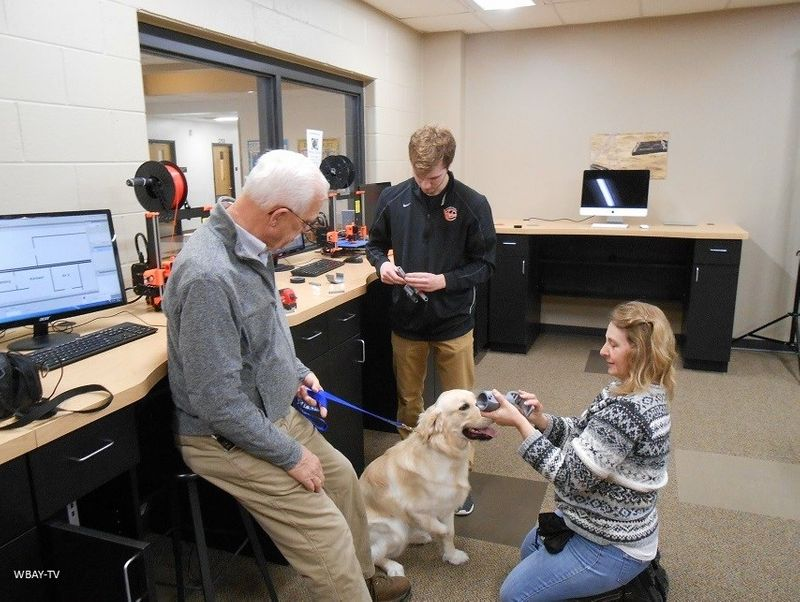 High school student designs 3D printed prosthetic leg for dog (waow.com)