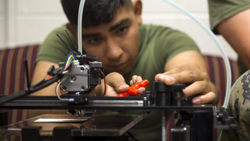 Marines' Love Affair With 3D Printing: Small Is Cheap, & Beautiful (breakingdefense.com)